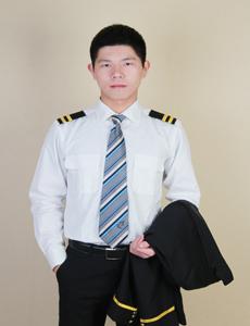 龙涛 华夏航空空中安全员