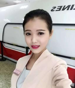 江垚--四川航空担任空中乘务员